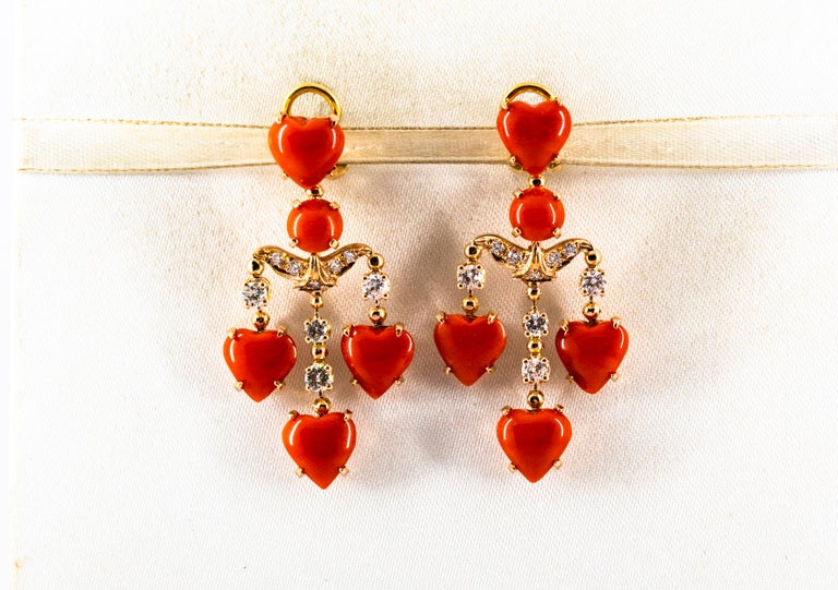 Mediterranean Red Coral 0.90 Carat White Diamond Yellow Gold Clip-On Earrings In New Condition For Sale In Naples, IT