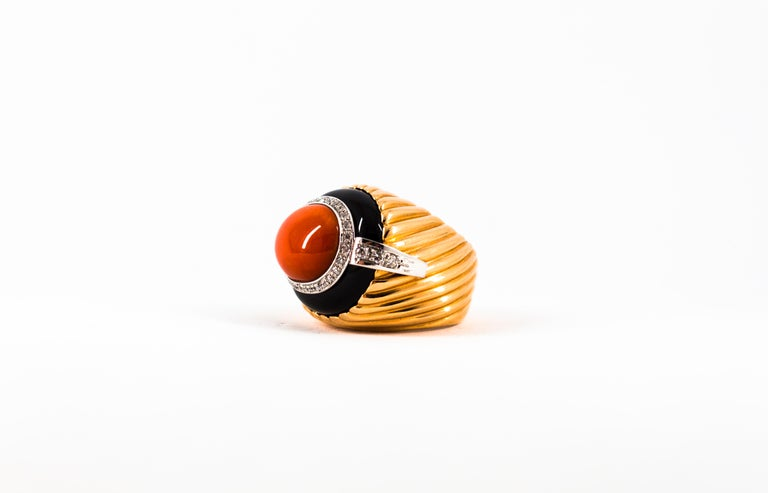 Mediterranean Red Coral Onyx 0.40 Carat White Diamond Yellow Gold Cocktail Ring For Sale 7