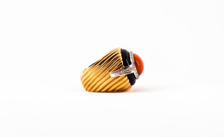 Mediterranean Red Coral Onyx 0.40 Carat White Diamond Yellow Gold Cocktail Ring For Sale 10