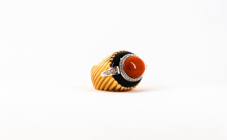 Mediterranean Red Coral Onyx 0.40 Carat White Diamond Yellow Gold Cocktail Ring For Sale 11