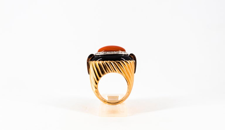 Mediterranean Red Coral Onyx 0.40 Carat White Diamond Yellow Gold Cocktail Ring For Sale 1