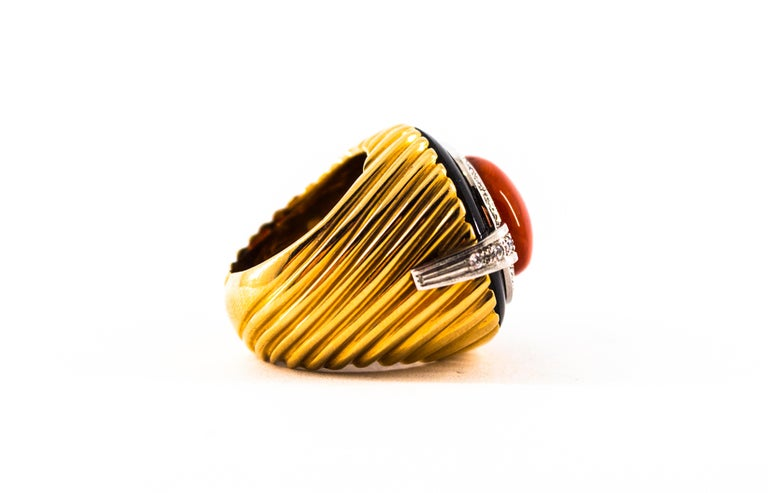Mediterranean Red Coral Onyx 0.50 Carat White Diamond Yellow Gold Cocktail Ring For Sale 11