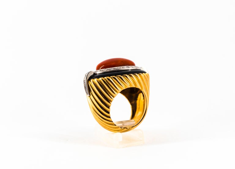 Mediterranean Red Coral Onyx 0.50 Carat White Diamond Yellow Gold Cocktail Ring For Sale 2