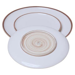 Medium Ivory Glazed Porcelain Hermit Plate with Rustic Rim
