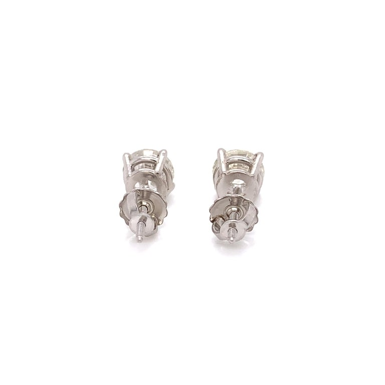 Medium Size Diamond Stud Earrings In New Condition For Sale In Miami, FL