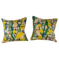 Medium Throw Pillows with Lemon Print
