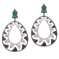 Meghna Jewels Interlocking Claw Earrings 6.22 Black and White Diamonds