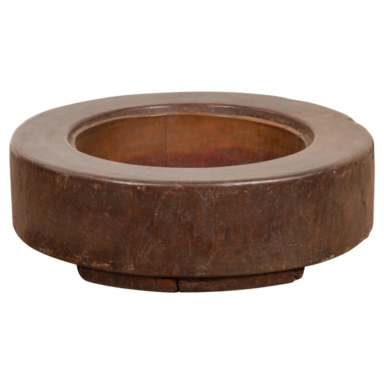 Meiji Period Japanese Wood Root Round Hibachi with Brown Patina, circa 1900 For Sale