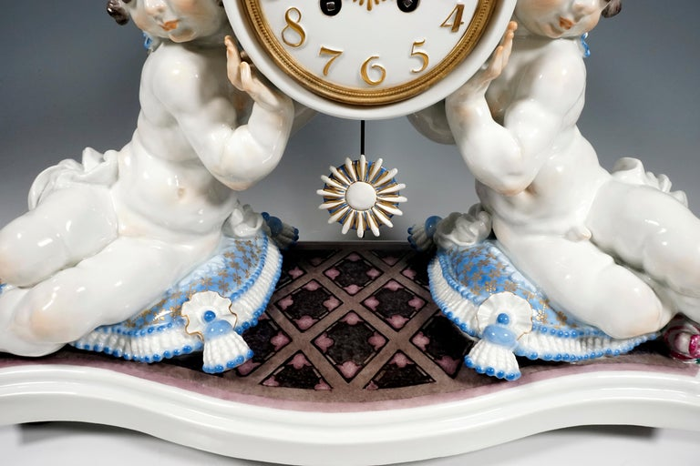20th Century Meissen Art Deco Mantle Clock with Two Putti by Paul Scheurich, 1920-1924 For Sale