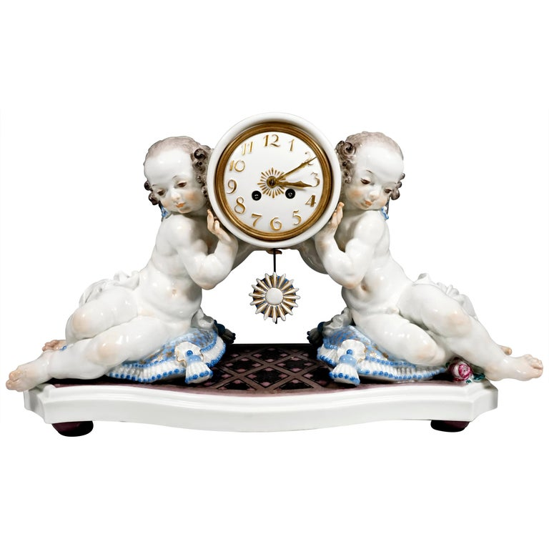 Meissen Art Deco Mantle Clock with Two Putti by Paul Scheurich, 1920-1924 For Sale