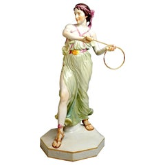Meissen Art Nouveau Figurine Young Lady Ring Thrower by Reinhold Boeltzig 1909