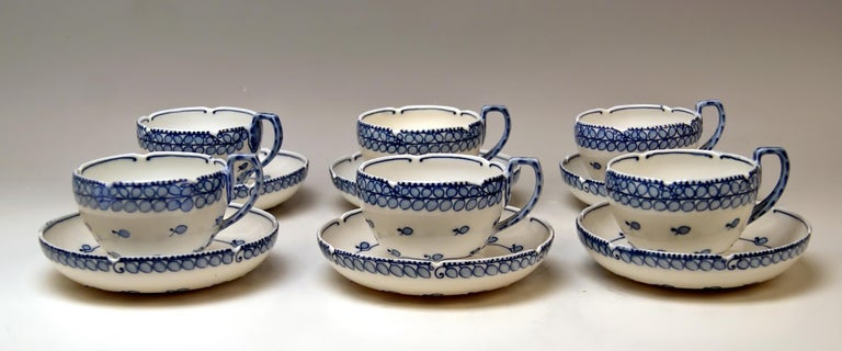 Early 20th Century Meissen Coffee Set Decor Blue Panicle Blaue Rispe Richard Riemerschmid For Sale