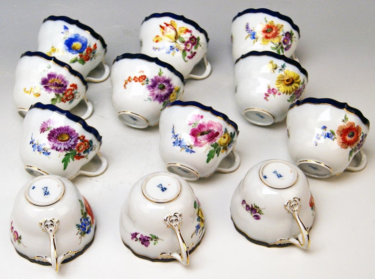 Meissen Coffee Set Bouquet Nr. 051110 12 Persons Pfeiffer Period 1924-1934 For Sale 2