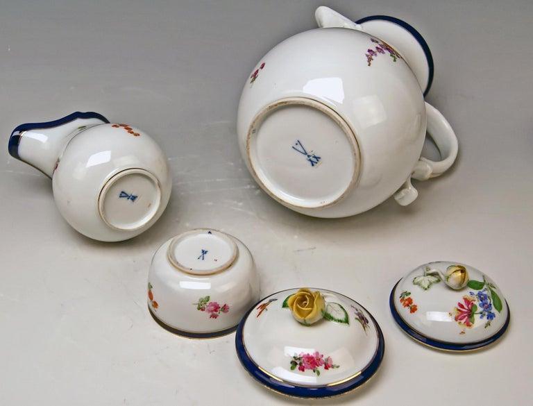 German Meissen Coffee Set Bouquet Nr. 051110 12 Persons Pfeiffer Period 1924-1934 For Sale