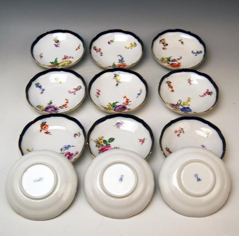 Porcelain Meissen Coffee Set Bouquet Nr. 051110 12 Persons Pfeiffer Period 1924-1934 For Sale