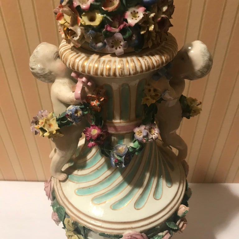 Meissen Covered Figural Vase, 1774-1815 B In Excellent Condition For Sale In Washington Crossing, PA