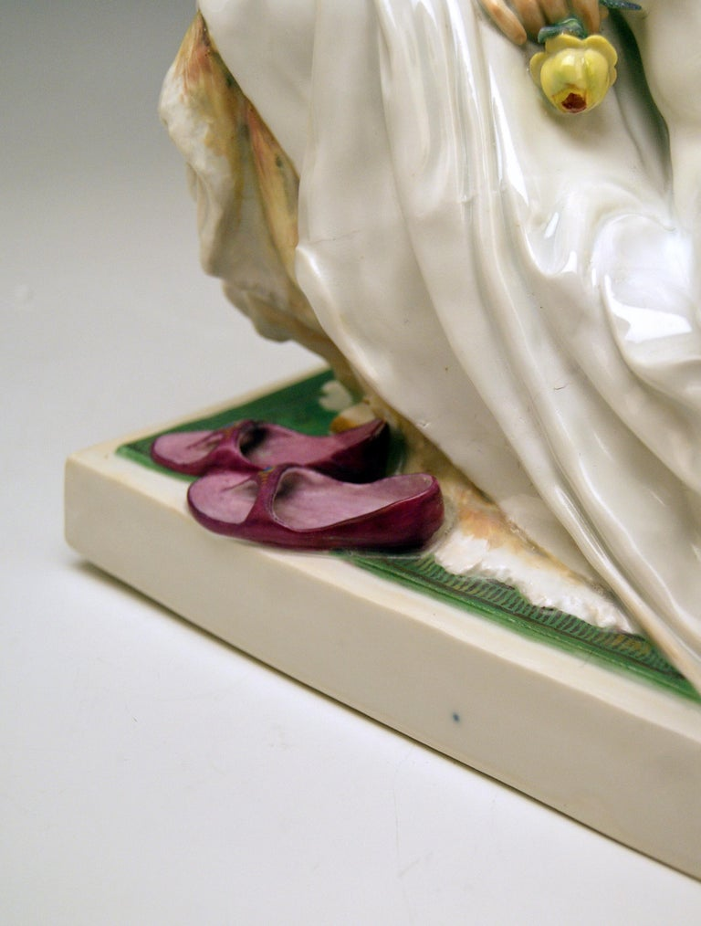 Meissen Female Nude Figurine with Mirror Model T 185 Robert Ockelmann In Excellent Condition In Vienna, AT