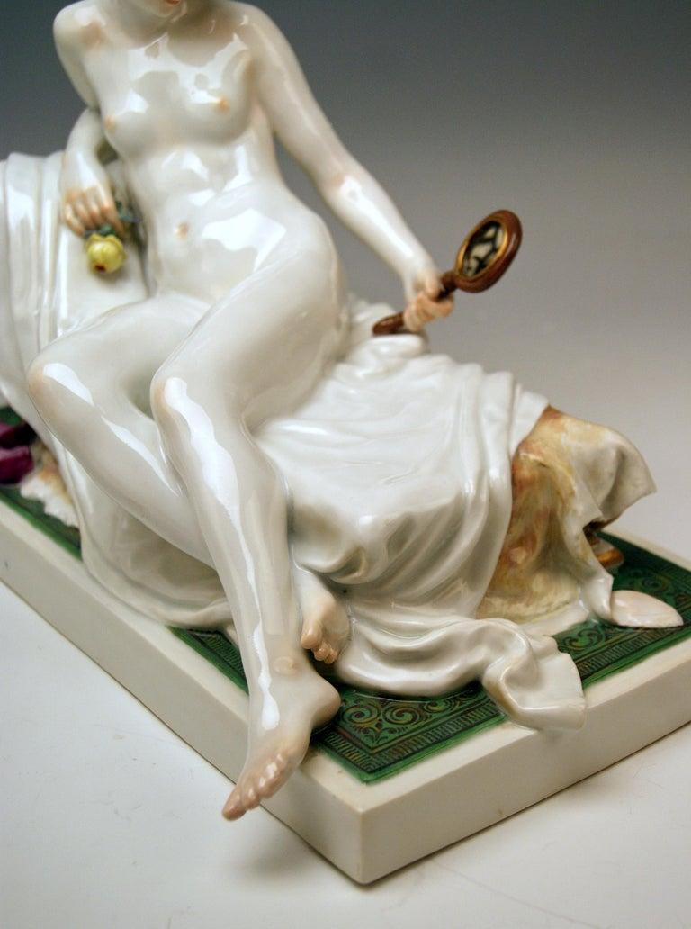 Early 20th Century Meissen Female Nude Figurine with Mirror Model T 185 Robert Ockelmann