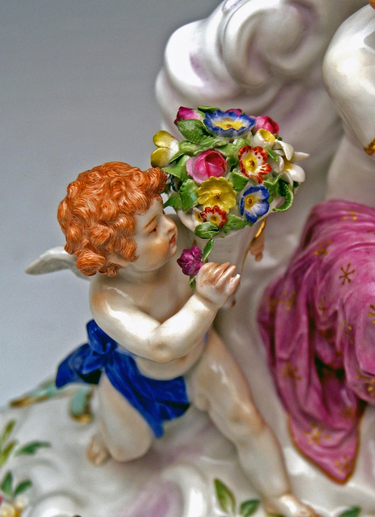 Meissen Figurines Allegory of Air Juno with Peacock Model O 199 Paul Helmig 1900 For Sale 2