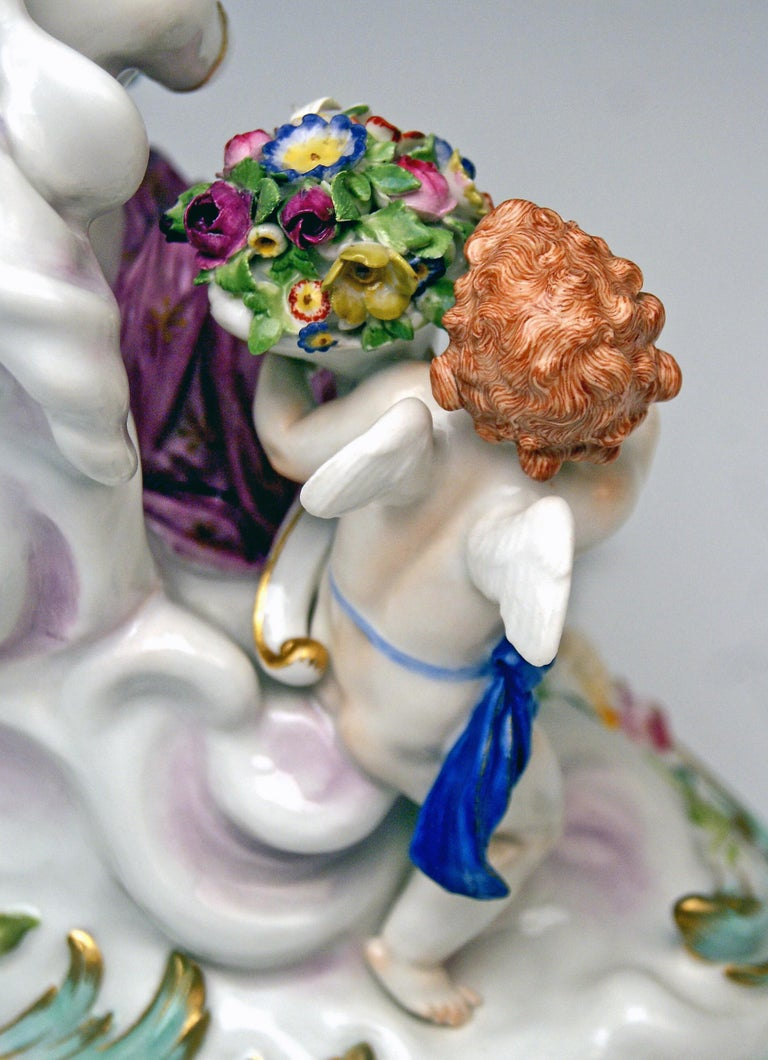 Meissen Figurines Allegory of Air Juno with Peacock Model O 199 Paul Helmig 1900 For Sale 1