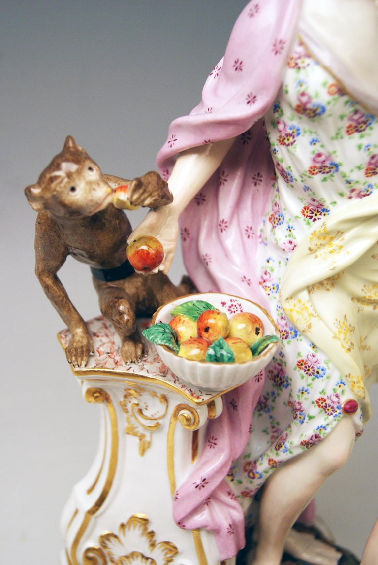Meissen Figurines Allegory of Taste Model 1042 by Eberlein Made circa 1860 In Good Condition For Sale In Vienna, AT