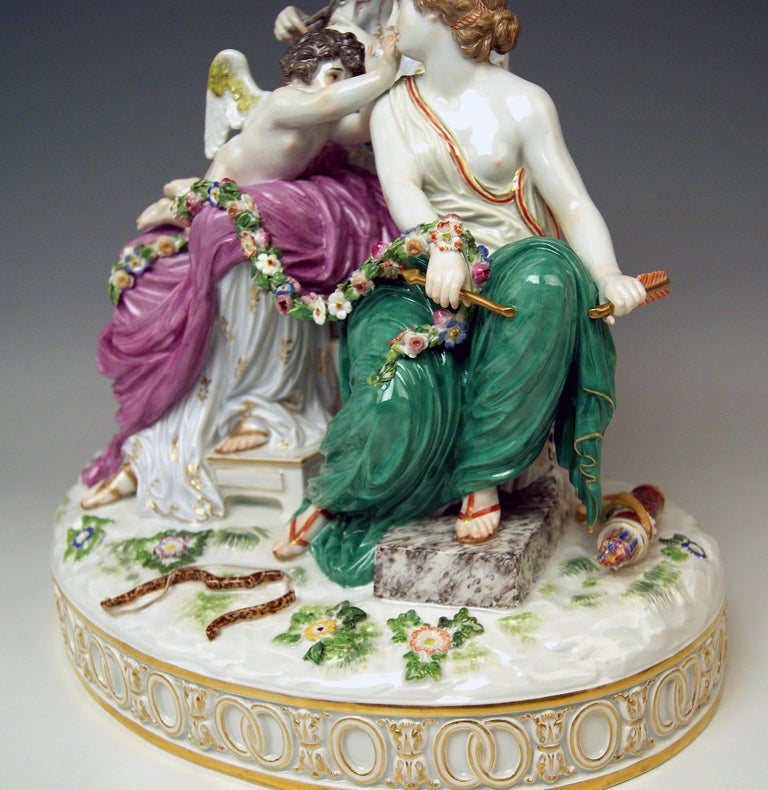 Meissen Figurines Cupid Being in Dire Straits J 82 by Juechtzer Made, circa 1860 For Sale 2