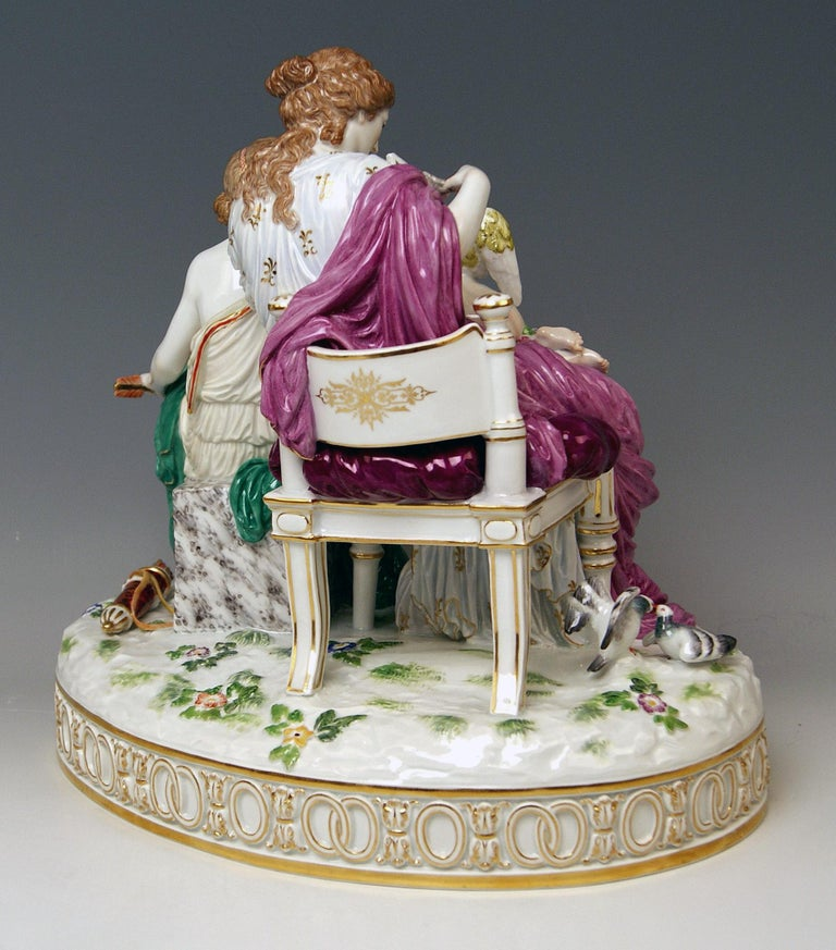 Meissen Figurines Cupid Being in Dire Straits J 82 by Juechtzer Made, circa 1860 In Good Condition For Sale In Vienna, AT