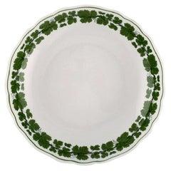Meissen Green Ivy Vine Leaf Bowl in Hand-Painted Porcelain, 1940s
