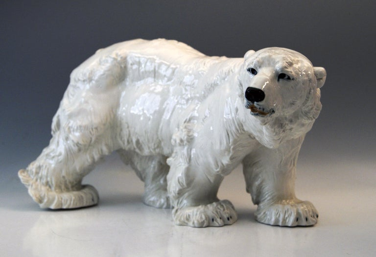 Meissen most remarkable and huge animal figurine: Walking ice bear / most lifelike impression: It is a gorgeous model, indeed!  Manufactory: Meissen Hallmarked: Blue Meissen Sword Mark (under glazed) First quality Dating: made circa