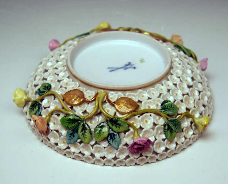 Meissen Lidded Cup Saucer Snowball Pattern Canaries Rose Flowers 4