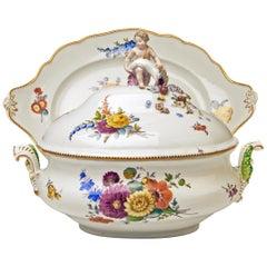 Meissen Lidded Tureen Cherub Flowers Oval Platter Rococo Period Marcolini, 1780