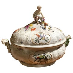 Meissen Lidded Tureen, Hand Painted with Birds, Hard Paste Porcelain, circa 1934