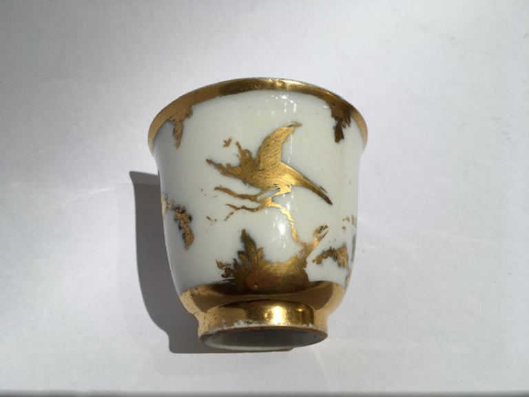 Meissen Mid-18th Century Cup White Porcelain with Golden Drawings Japonese Style For Sale 7