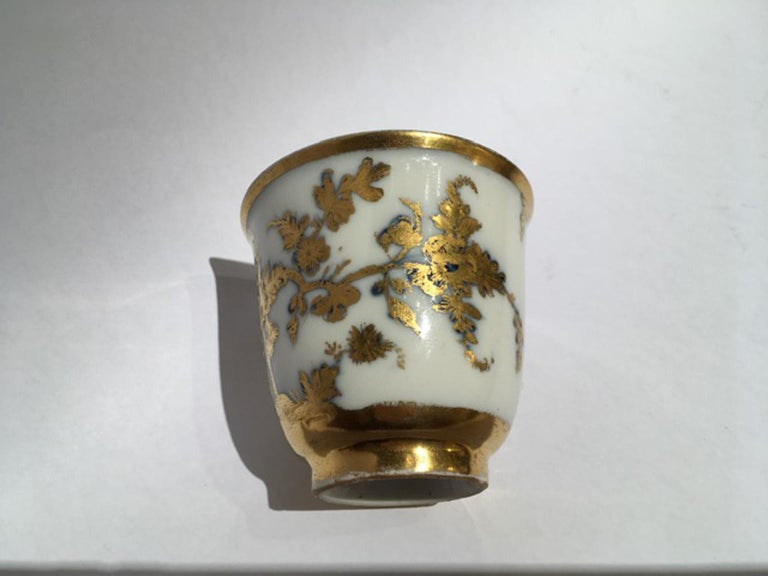 Meissen Mid-18th Century Cup White Porcelain with Golden Drawings Japonese Style For Sale 8