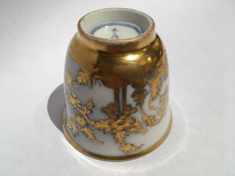 Meissen Mid-18th Century Cup White Porcelain with Golden Drawings Japonese Style For Sale 9