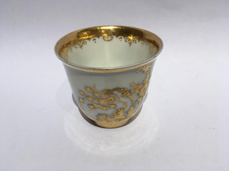 Meissen Mid-18th Century Cup White Porcelain with Golden Drawings Japonese Style For Sale 12