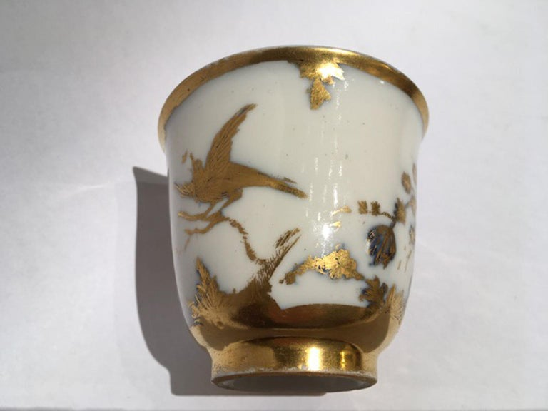 Meissen Mid-18th Century Cup White Porcelain with Golden Drawings Japonese Style For Sale 1