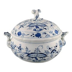 Meissen Blue Onion Patterned Lidded Tureen, Mid-20th Century