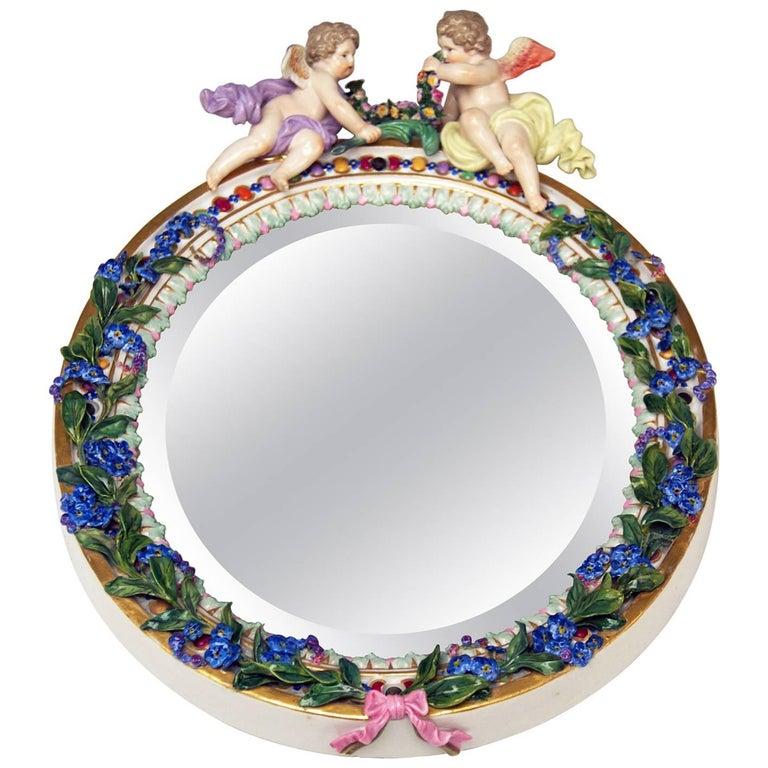 Meissen Oval Wall Mirror Pair of Cherubs Vintage, circa 1870 For Sale