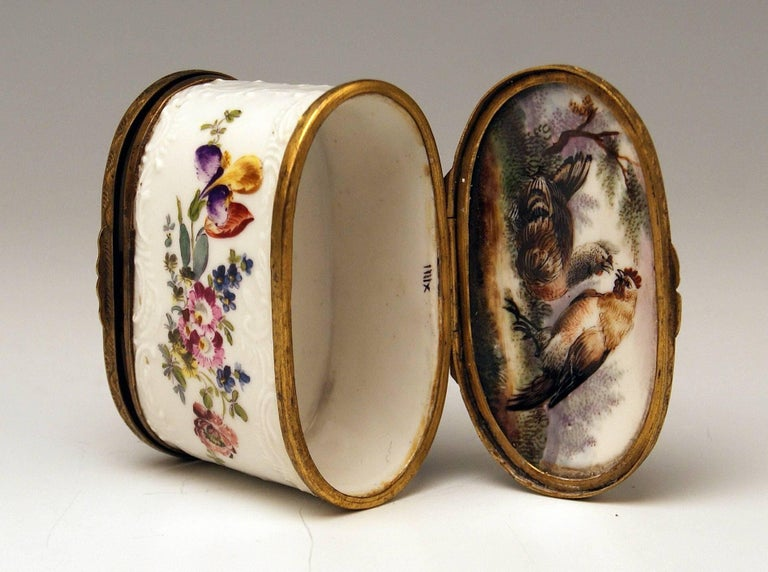 Meissen Painted Dual Lidded Rococo Box Relief Decoration Brass Mountings, 1750 For Sale 2