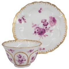 Meissen Petal Lobed Teabowl & Saucer, Purple Flower Decoration, c.1770