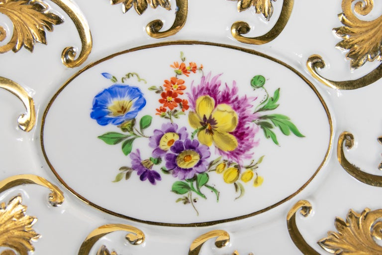 Meissen Porcelain Deep Cabinet Plate / Bowl with Handles In Good Condition For Sale In Vilnius, LT