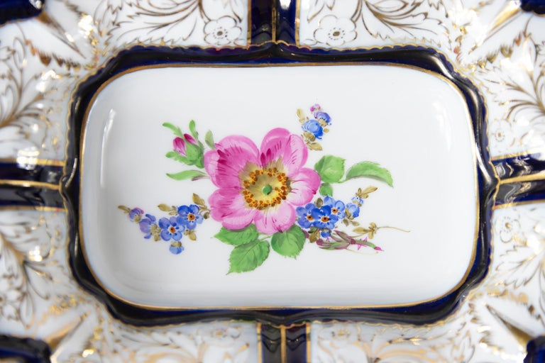 Meissen Porcelain Deep Cabinet Plate with Handles In Good Condition For Sale In Vilnius, LT
