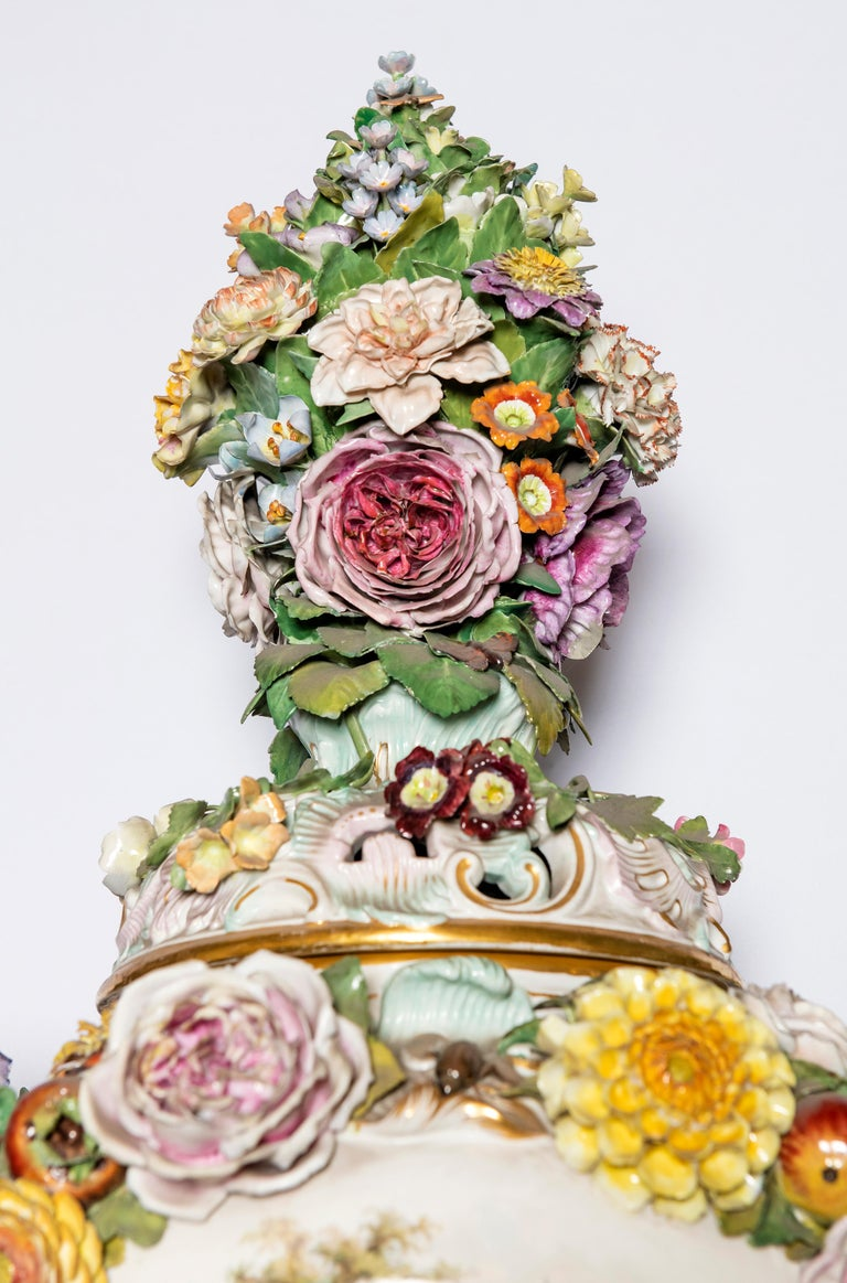 Meissen Porcelain Pot-Pourri Vase, Germany, 19th Century In Good Condition For Sale In Buenos Aires, Buenos Aires