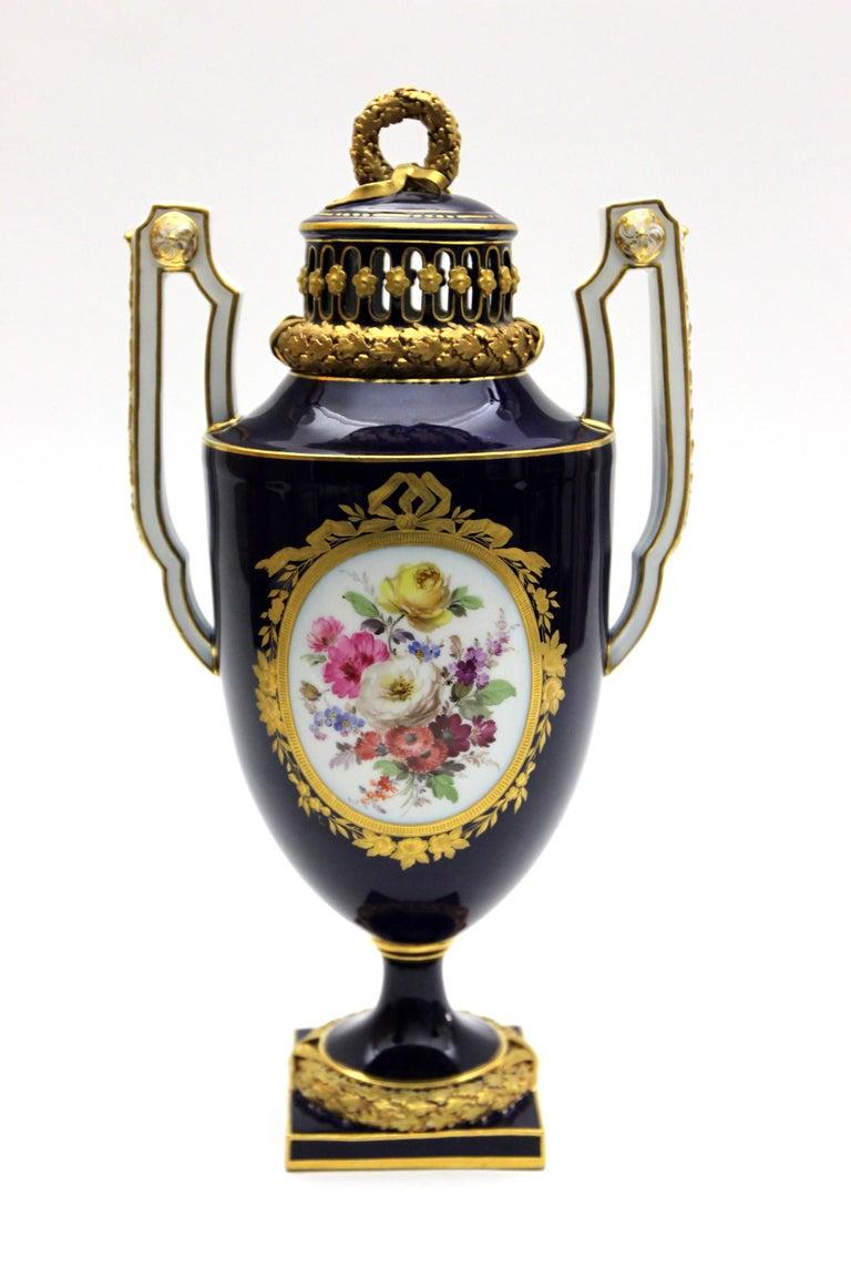 19th Century Meissen Porcelain Potpourri - Vase in Cobalt Blue and Gold For Sale
