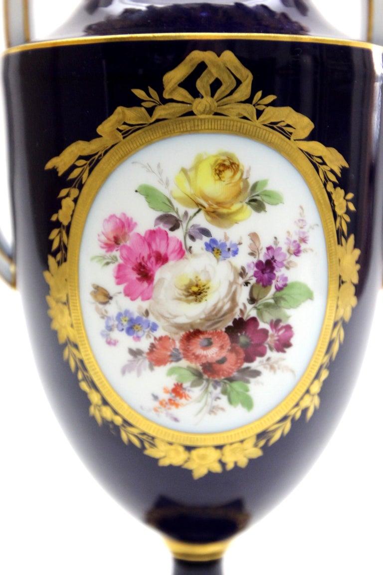 Meissen Porcelain Potpourri - Vase in Cobalt Blue and Gold For Sale 1