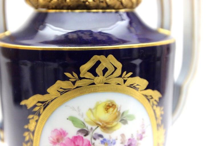 Meissen Porcelain Potpourri - Vase in Cobalt Blue and Gold For Sale 2