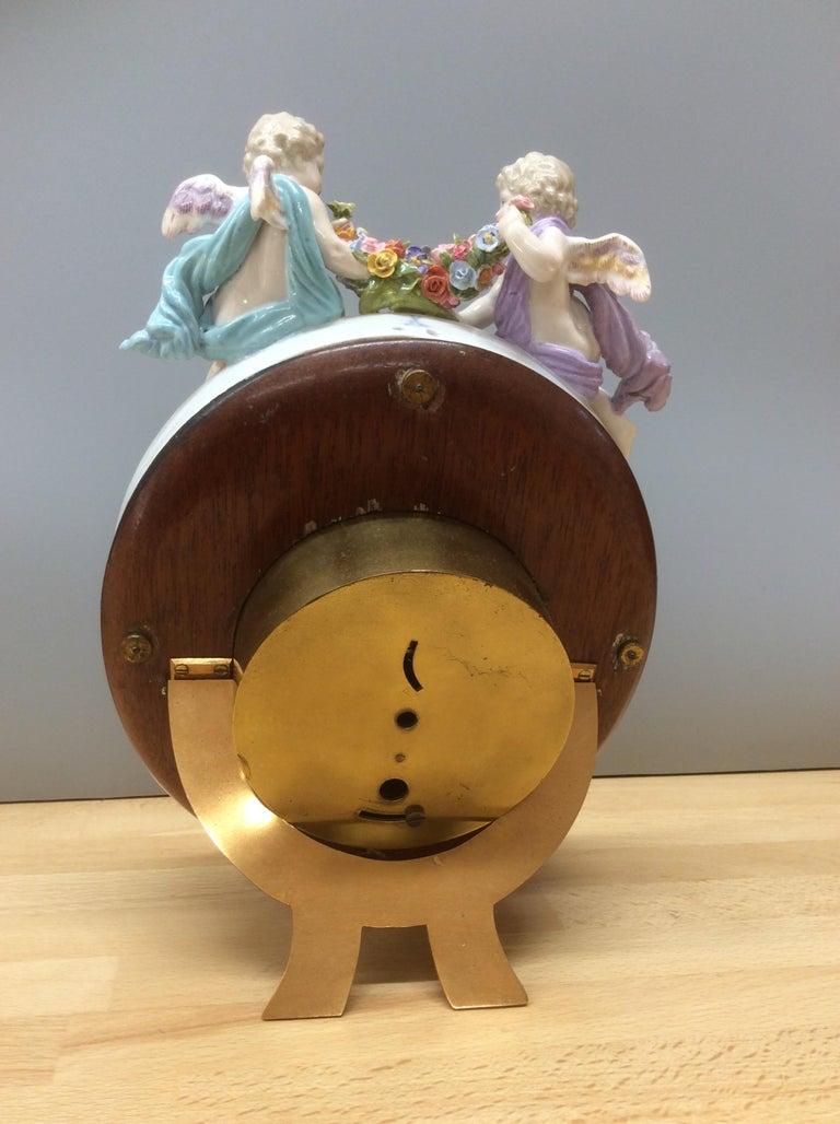 Meissen Porcelain Strut Mantel Clock In Good Condition For Sale In Norwich, GB