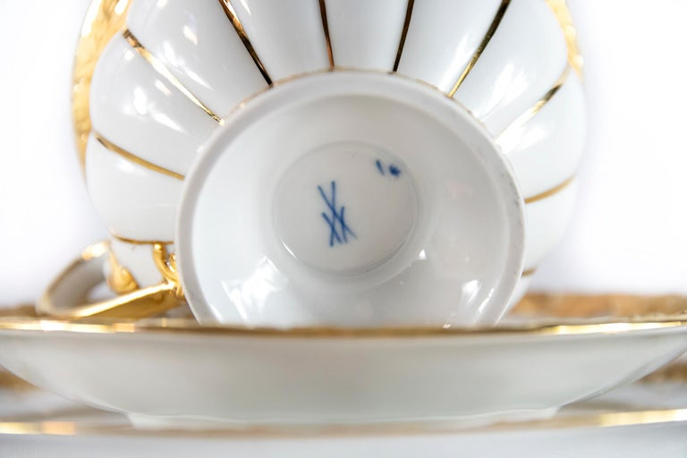 20th Century Meissen Porcelain Tea Cup with Saucer and Dessert Plate For Sale