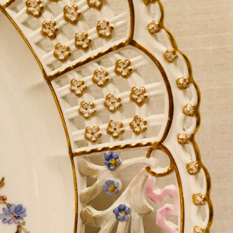 Romantic Meissen Reticulated Plate Painted with Flower Bouquet and Raised Forget Me Nots For Sale